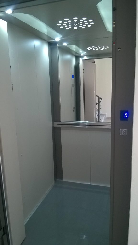 Εγκατάσταση ανελκυστήρα προσώπων -